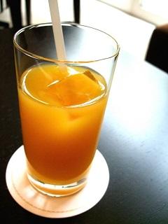 娘の「こっそりオレンジジュース飲んだ」に困るママ