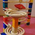 【クアドリラ】【クチコミ】元ゲームプログラマーがおススメするプログラミング教育予習に絶対に役に立つ玩具1【6歳】【ビー玉転がすやーつ】